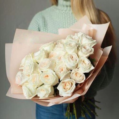 Купить на заказ Букет из 31 белой розы с доставкой в Зайсане