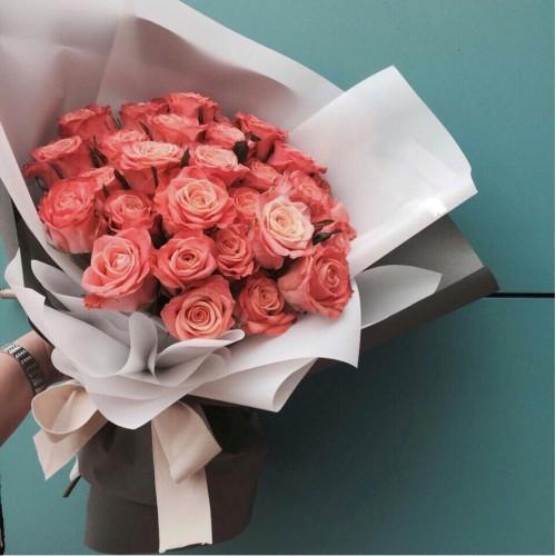 Купить на заказ Букет из 31 розовой розы с доставкой в Зайсане