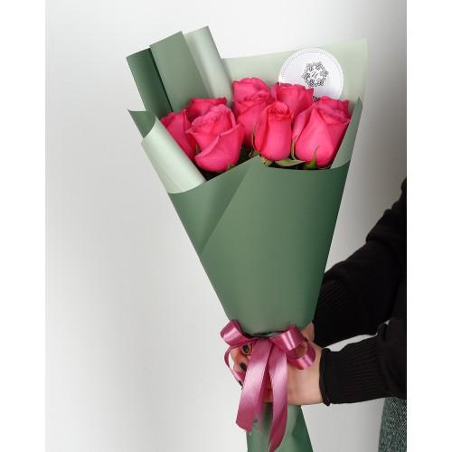 Купить на заказ Букет из 7 розовых роз с доставкой в Зайсане