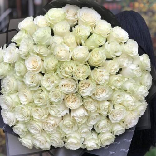 Купить на заказ Букет из 75 белых роз с доставкой в Зайсане