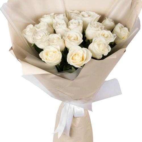 Купить на заказ Букет из 19 белых роз с доставкой в Зайсане