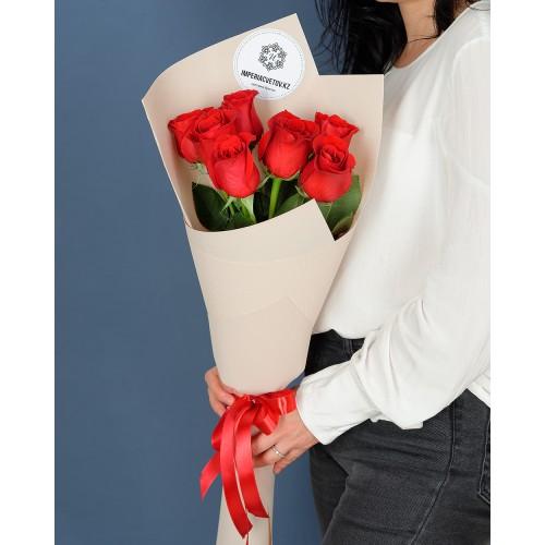 Купить на заказ Букет из 7 красных роз с доставкой в Зайсане