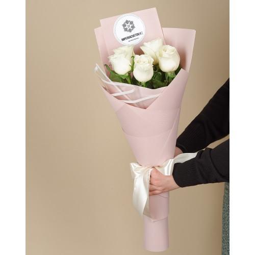 Купить на заказ Букет из 5 роз с доставкой в Зайсане