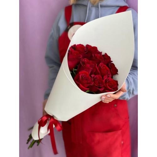 Купить на заказ 15 красных роз с доставкой в Зайсане