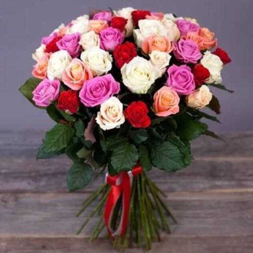 Купить на заказ Букет из 31 розы (микс) с доставкой в Зайсане